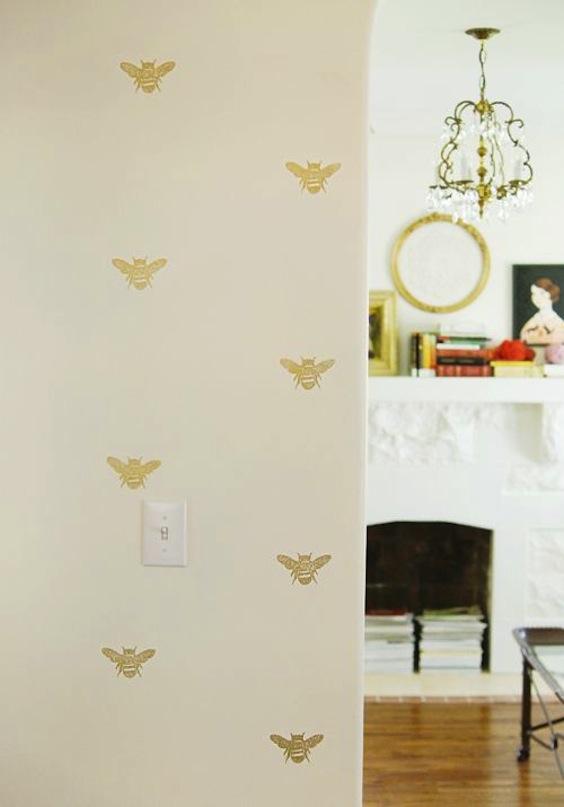 gold bee wallpaper