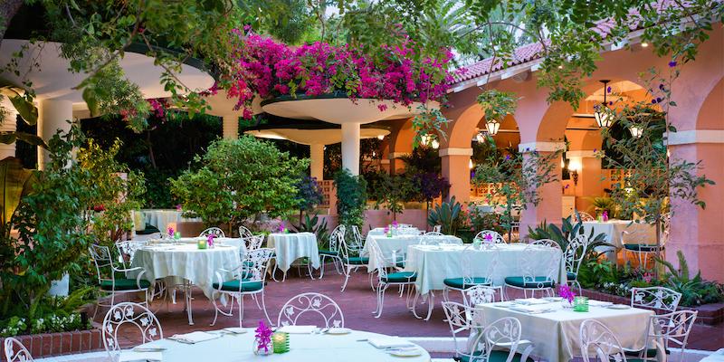 BHH-polo-lounge-outdoor-patio
