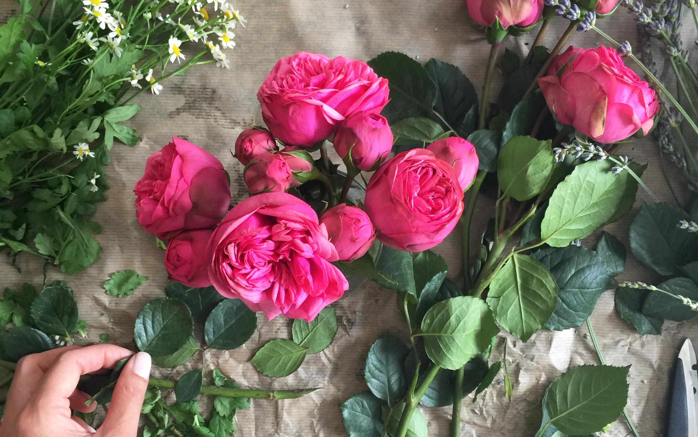 Styled Spray Roses