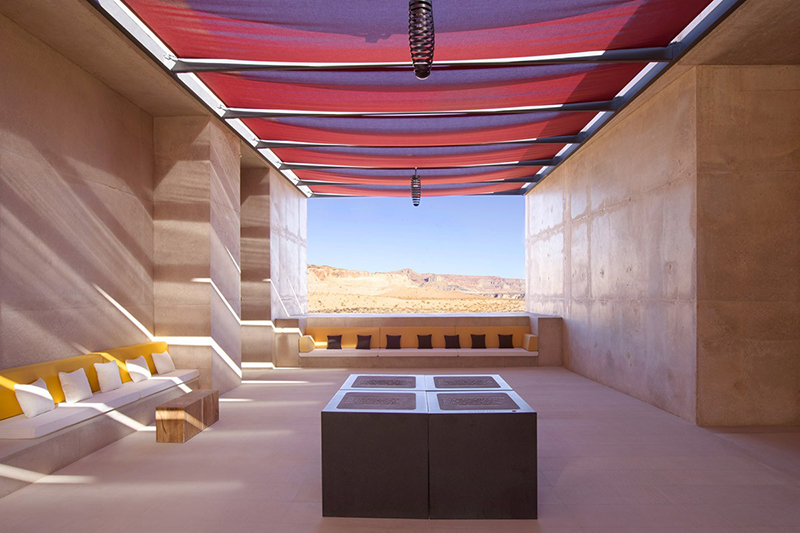 aman_amangiri_entrance_lounge_2_office_3447